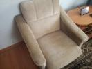 Кресло с пуфиком