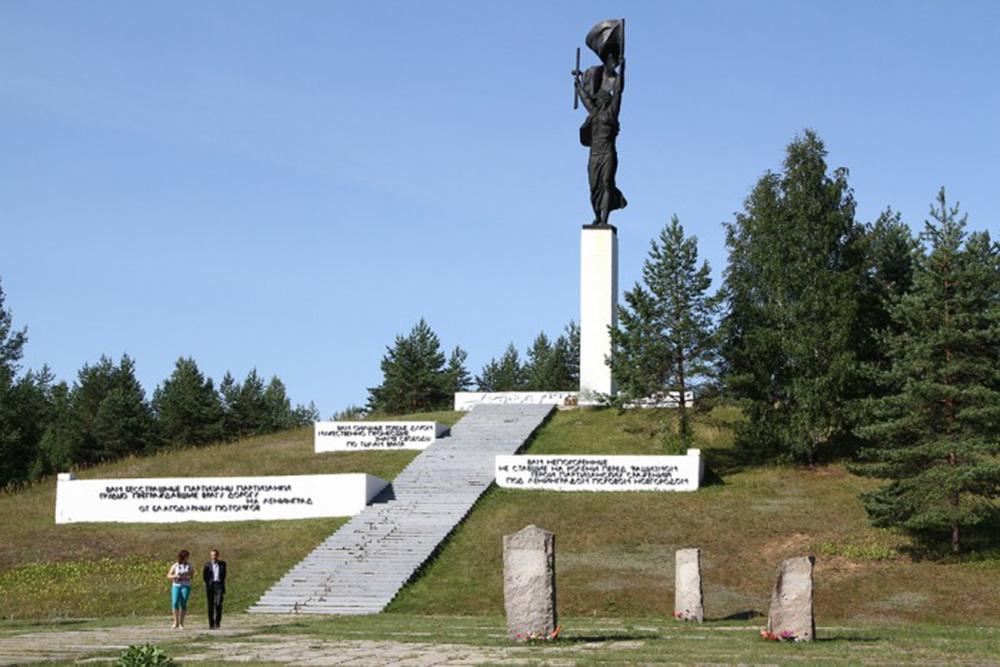 Памятные места города Луги отремонтируют к празднику